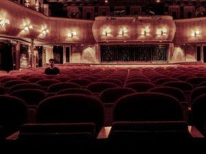Vil du også i teatret denne vinter?